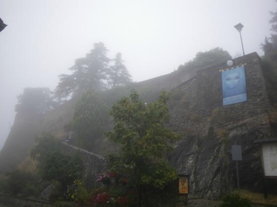 castello-di-montebello