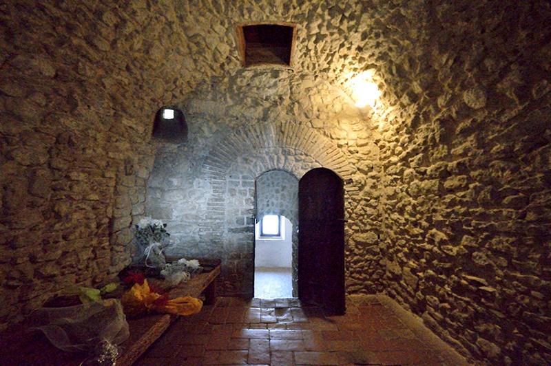 cella-di-cagliostro-ingresso