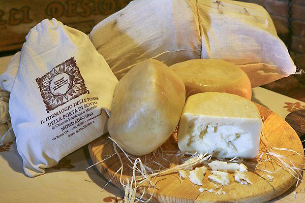 formaggio-di-fossa-Mondaino